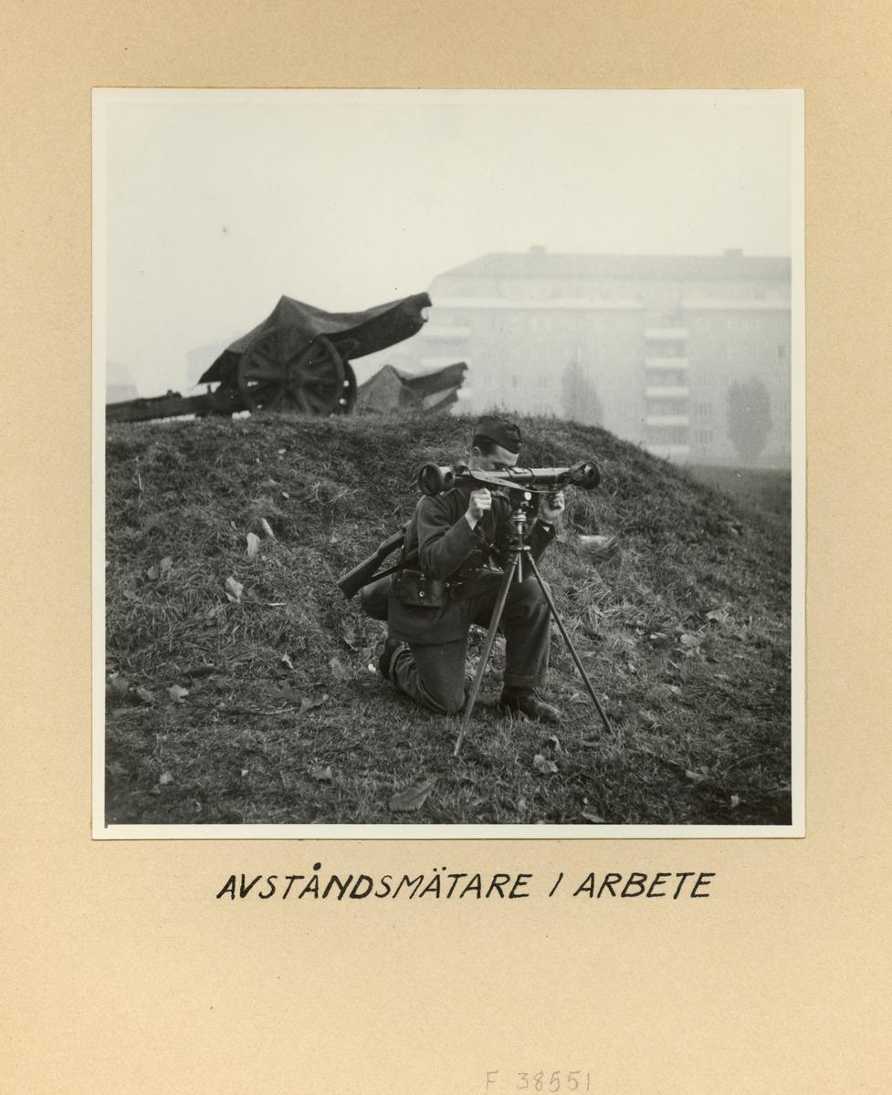 Avståndsmätare i arbete, Svea artilleriregemente A 1, våren 1947.
