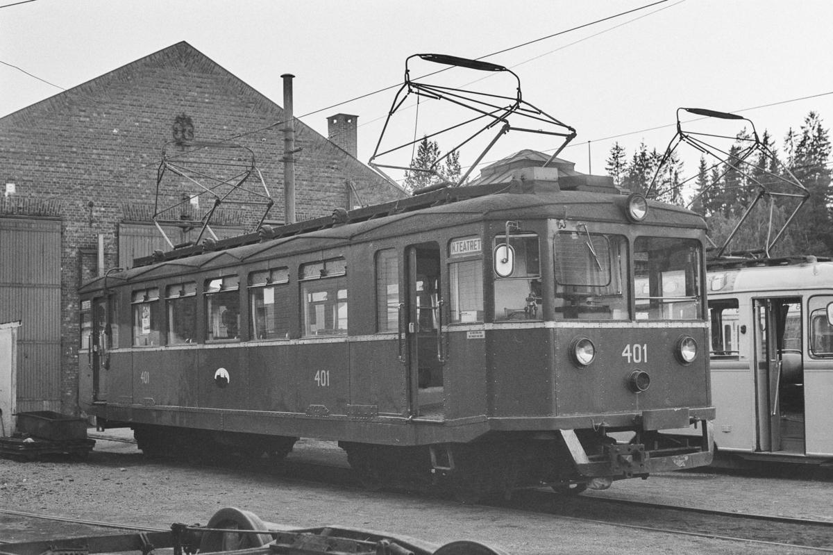 Bærumsbanens vogn D1 401 på Avløs stasjon.