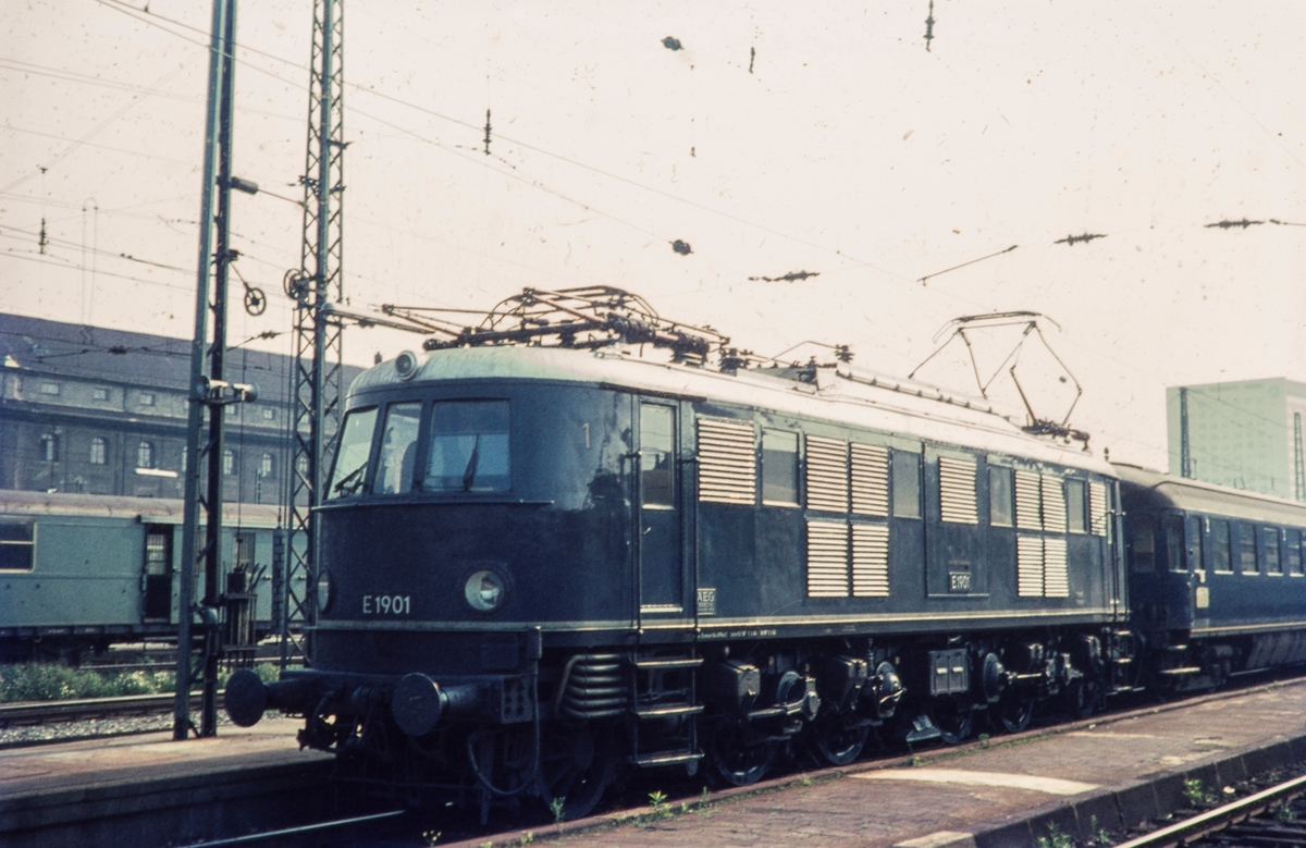 Tysk hurtigtogslokomotiv DR-Baureihe E 19 nr. 01.