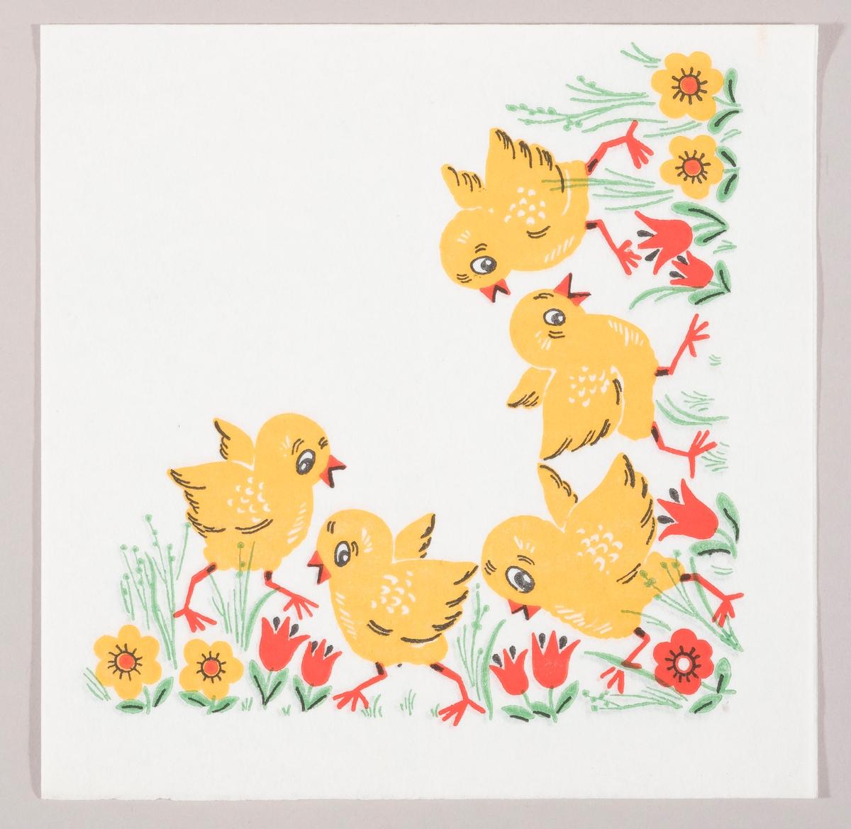 Fem kyllinger i en eng med oransje og røde blomster.