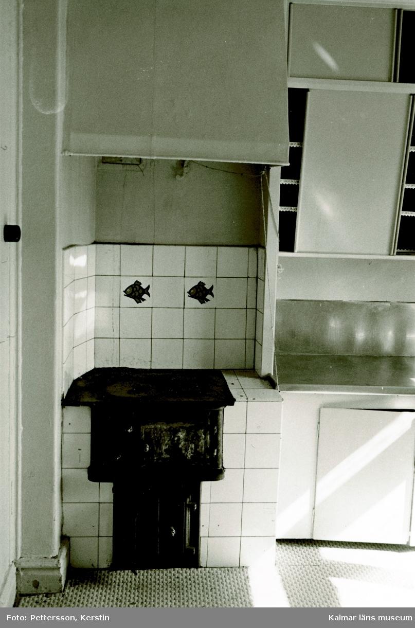 Kök i övre hörnrummet på övervåningen i Fornanderska gårdens gårdshus.