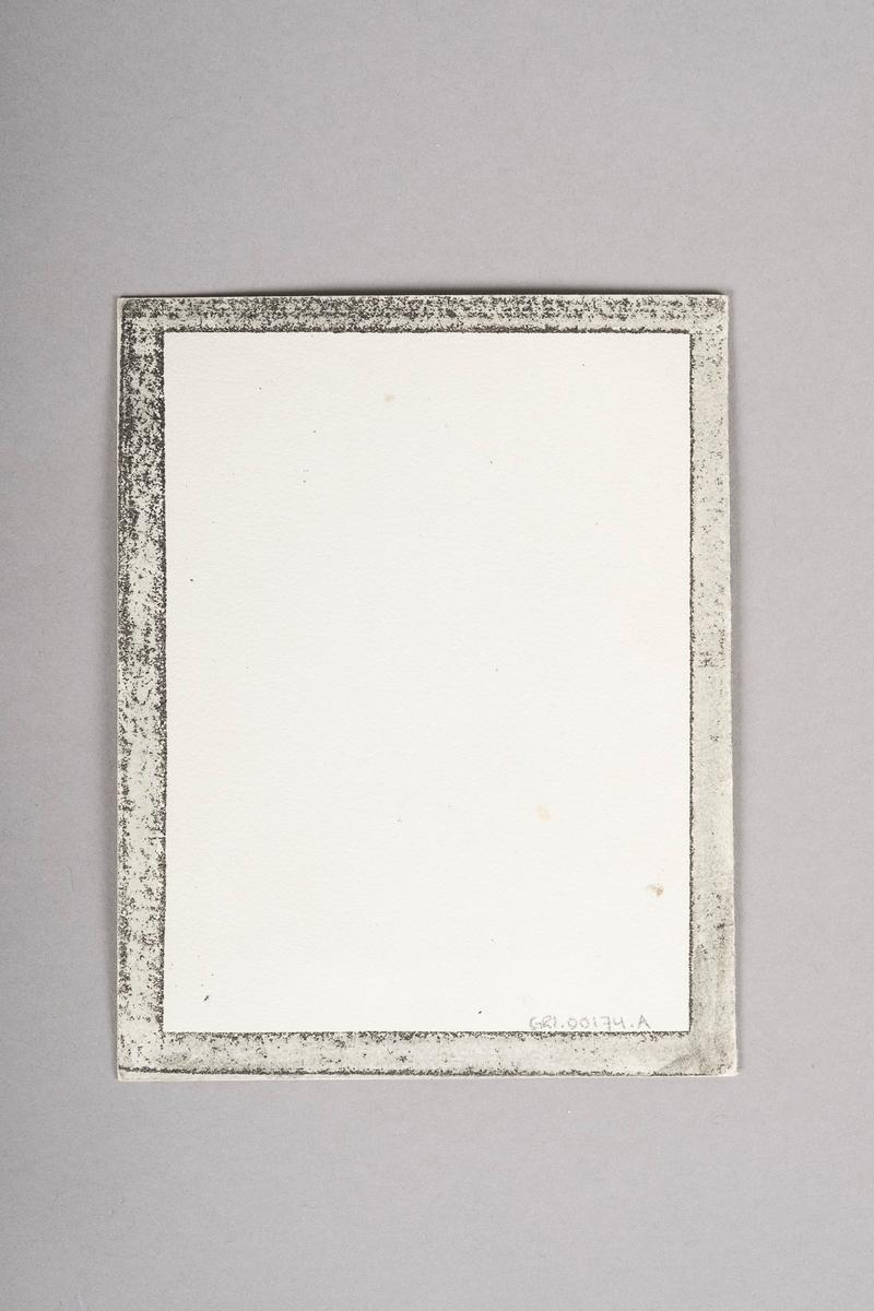 Et hefte med lomme på innsiden til tegningene. Totalt 12 tegninger, kopier av portrett-tegniner.