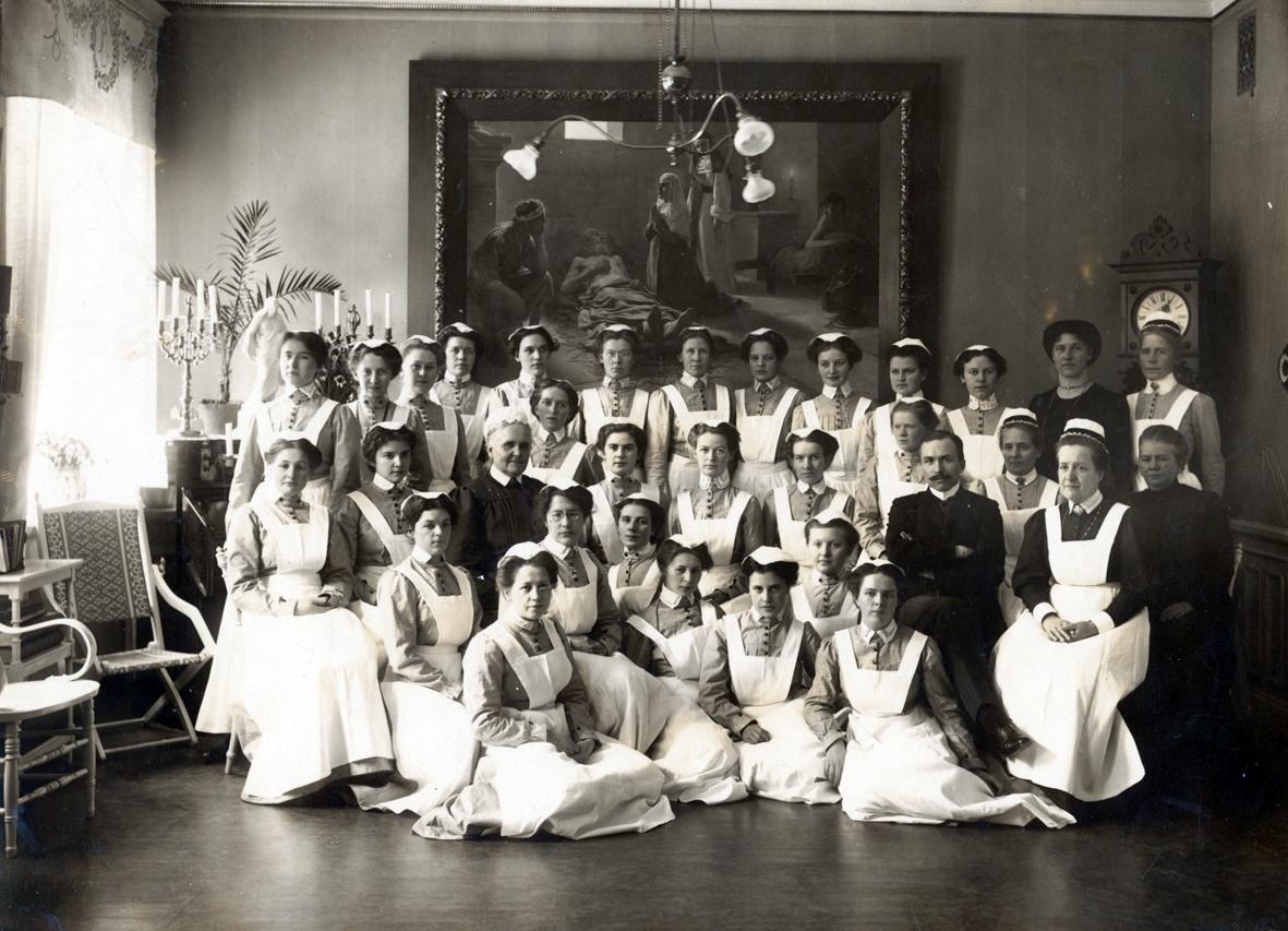 Gruppfoto på sjukvårdspersonal m fl i Kalmar.
