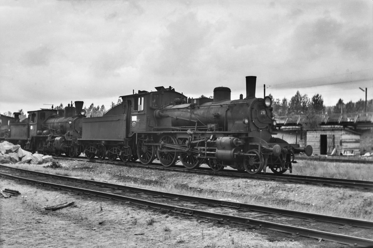 Hensatt damplokomotiv type 27a nr. 297 på Grorud verksted.