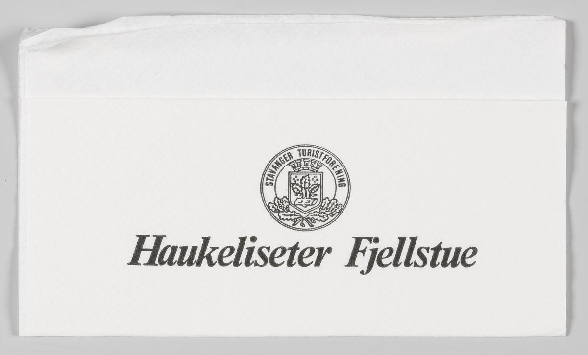 Logo for Stavanger Turistforening og reklametekst for Haukeliseter Fjellestue.  Haukeliseter Fjellstue hører til Den Norske Turistforening og er Stavanger Turistforenings største hytte med cirka 20.000 gjestenetter i året