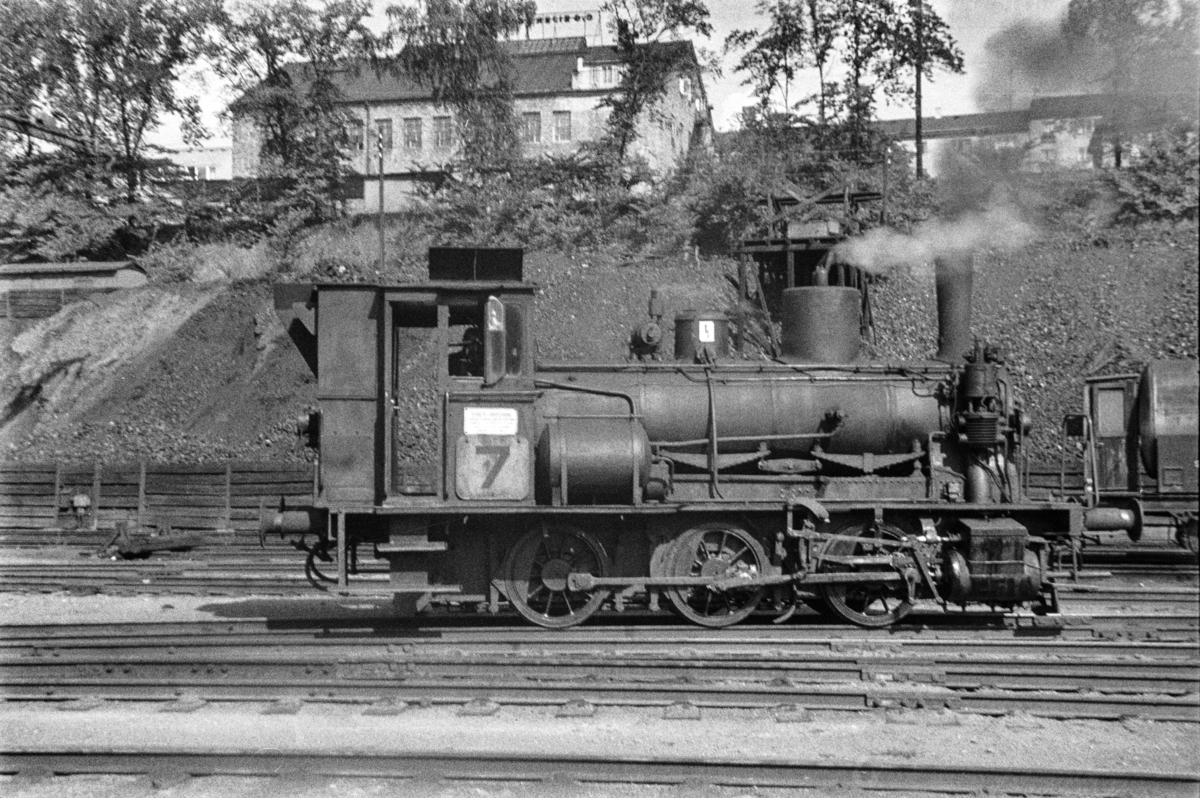 Damplokomotiv type 25e nr. 486 i skiftetjeneste i Lodalen i Oslo.