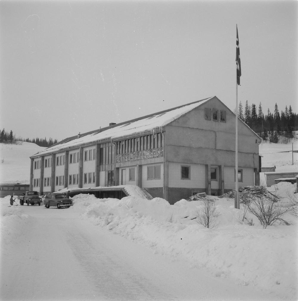 Herredshuset i Hattfjelldal. Vinter