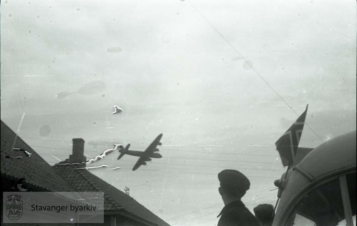 Tatt kort tid etter frigjøringen fra okkupasjonen , .2. verdenskrig..Fredsdagene 1945..