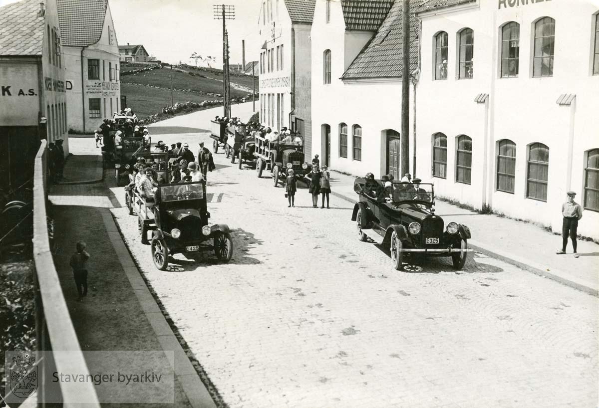 Rønneberg Preserving i Tanke Svilands gate 25 til høyre..( Tidligere Randabergveien / Rannebergveien )