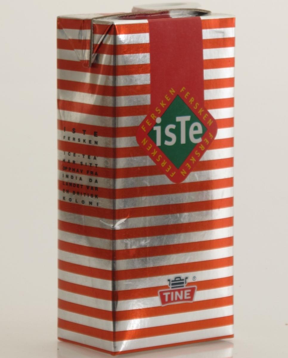 Kartong til iste, murstein type med skrukork i plast, volum 1 liter. Flerfargetrykk. Rød og sølvblank farge dominerer. Produsert for Tine.  Varedeklarasjonsfelt med opplysninger om næringsinnhold og oppbevaring, varemerke og strekkode.
