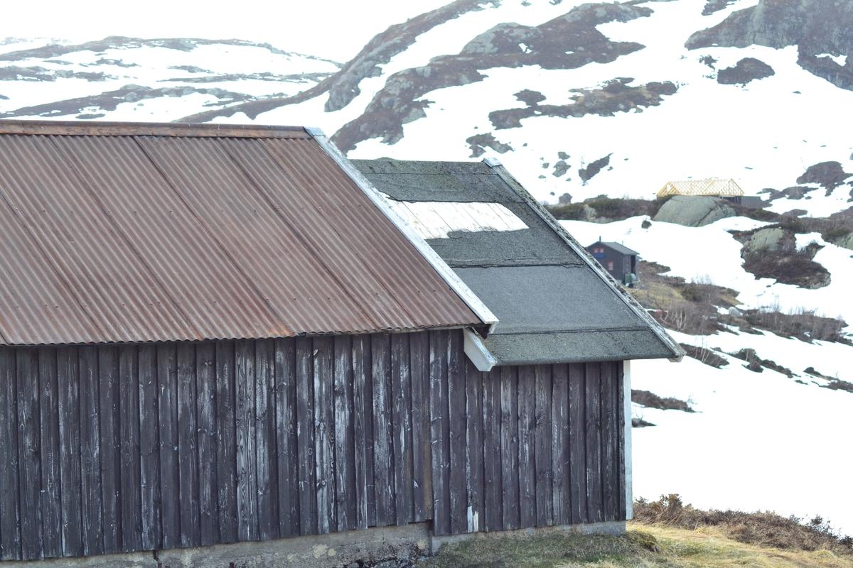 Hytte i Hunnedalen, ved Tverråna. Hytta tilhøyrer Jæren Smalalag.