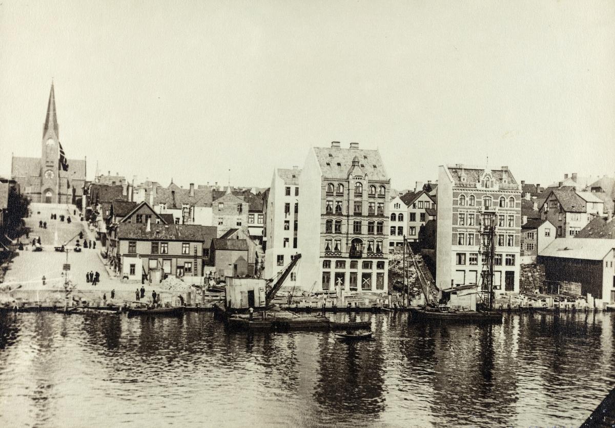 Kaien og Smedasundet sett mot øst, 1903.