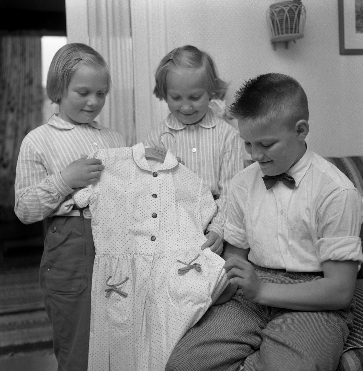 Förskoleseminariet ställer ut.  3 juni 1959.