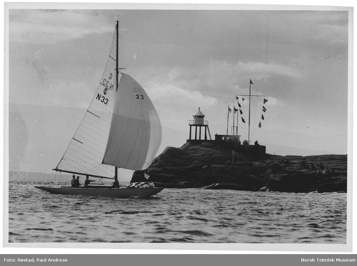 """Kong Olav """"Sira"""" ved Gamholmen Hankø"""