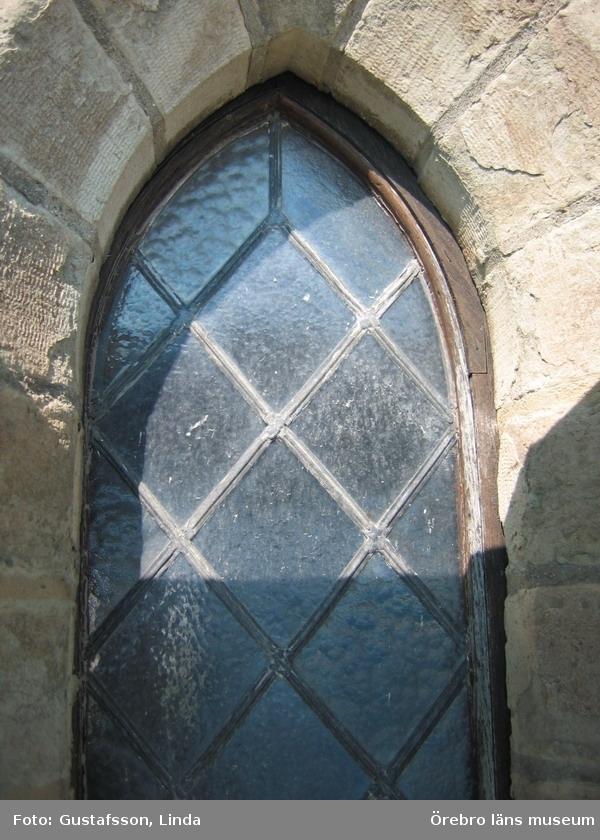 Renoveringsarbeten av tornfasader på Olaus Petri kyrka (Olaus Petri församling).Fönster som ska renoveras, östra tornet.Dnr: 2008.230.065