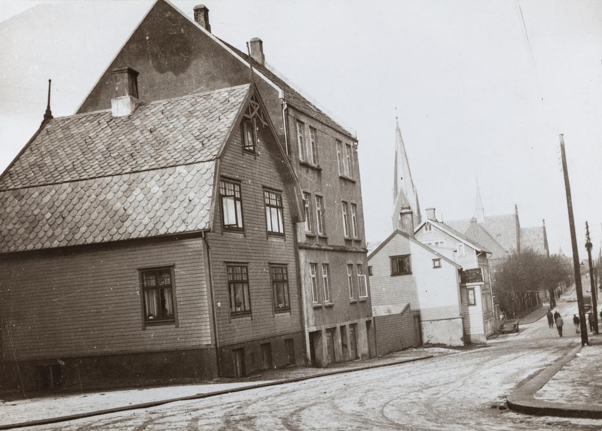 Kirkegata sett mot nordvest, ca. 1938.