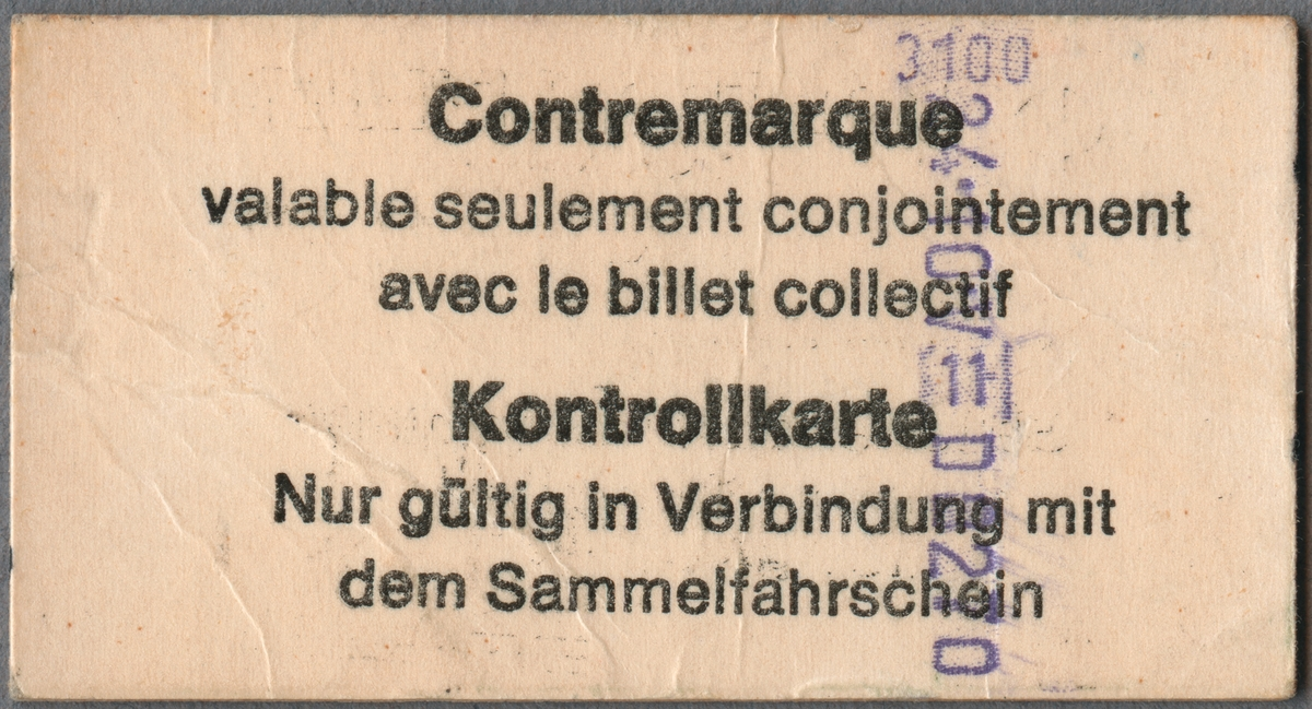 Kontrollbiljett för andra klass. Längst upp till vänster en logotyp med sammanflätat C och I. Biljetten gällde endast tillsammans med gruppbiljett, vilket går att läsa på biljetten. På baksidan finns samma information på franska och tyska.
