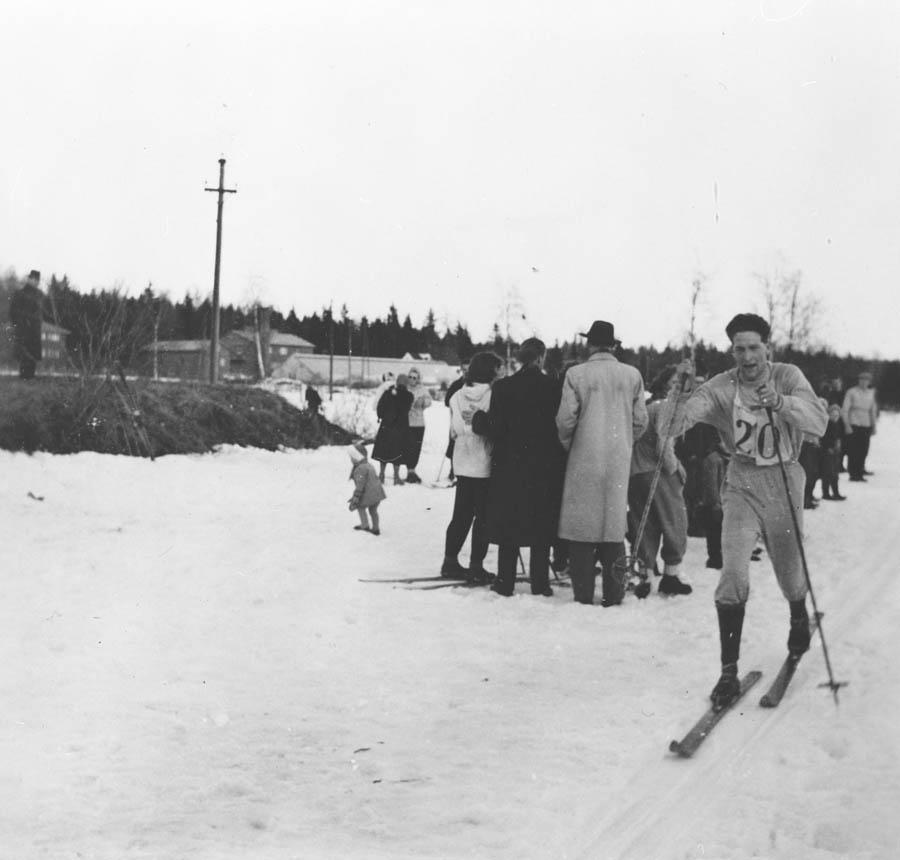 Helge Dammen på ski.