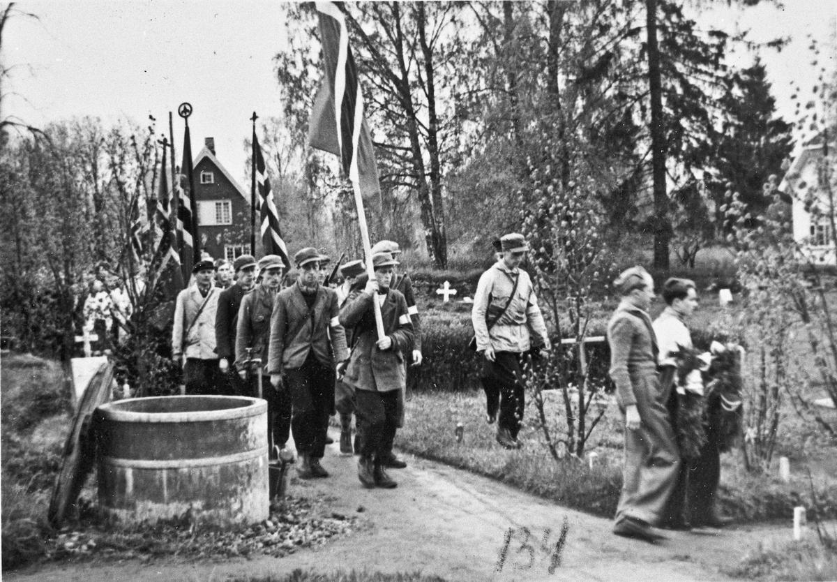Minnemarkering for Paul Aulie sommeren 1945. Eidsvoll kirke. Falt i krigen i 1940 i Ringsaker. Døde på Lillehammer sykehus etter få dager.