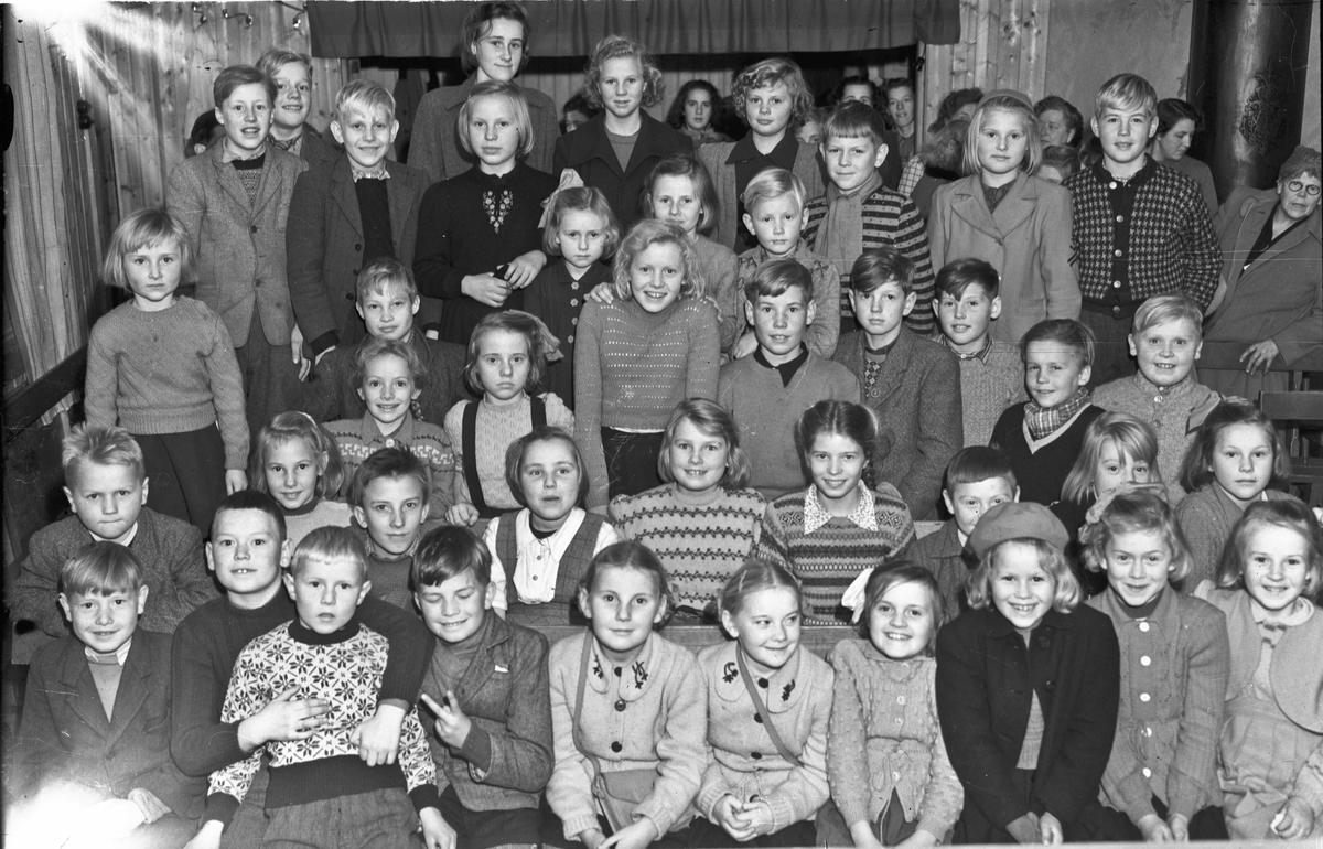 Barn. Klippen forsamlingshus (?)