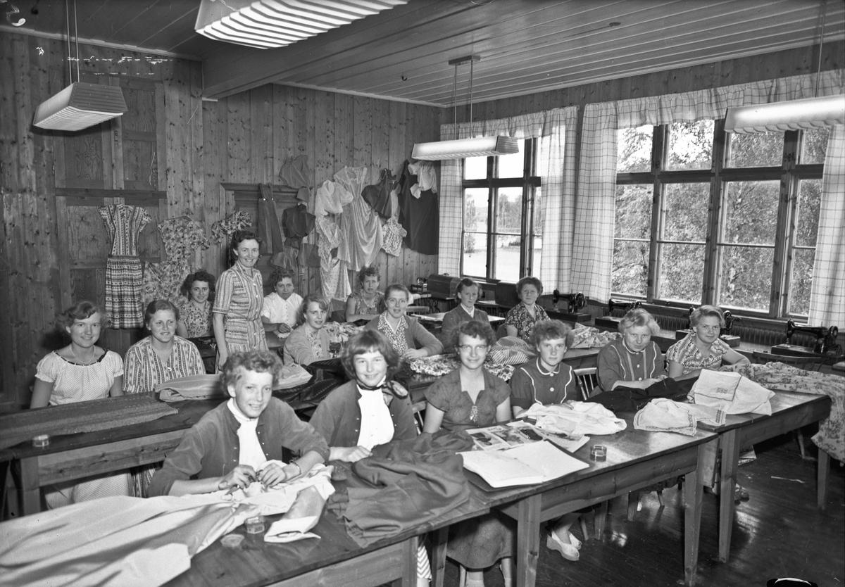 Bjerkely ungdomsskole 1955.