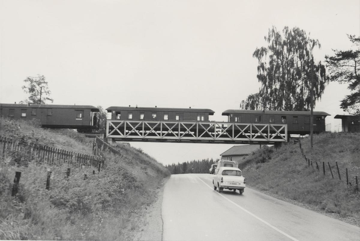Tog til Skulerud på Fossum bro.