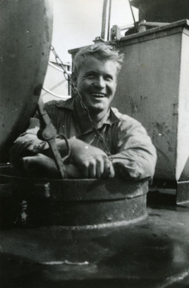 Album Ubåtjager King Haakon VII 1942-1946 Forskjellige bilder. Olaf Hagen.