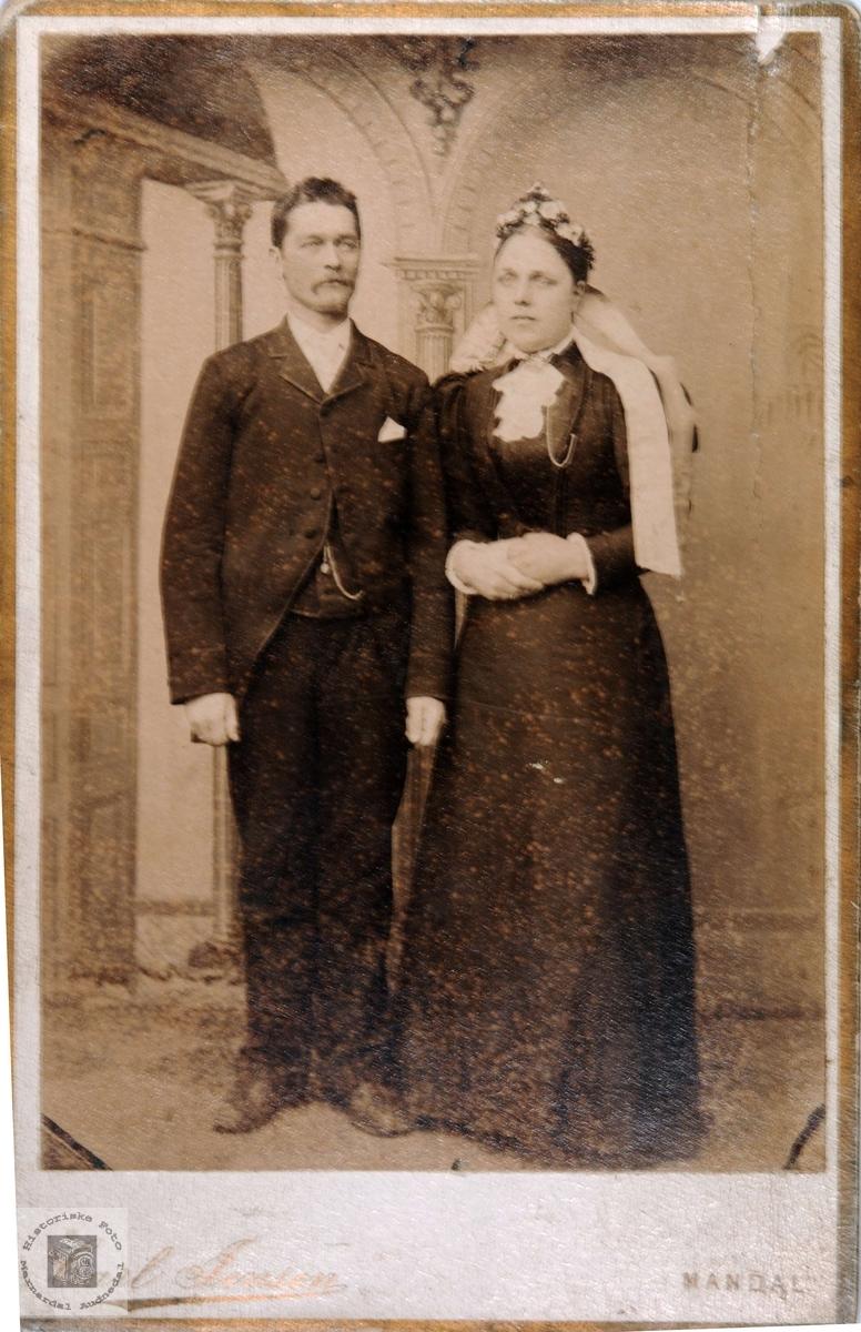 Brudebilde av Ola Barstad og Maria Helle.