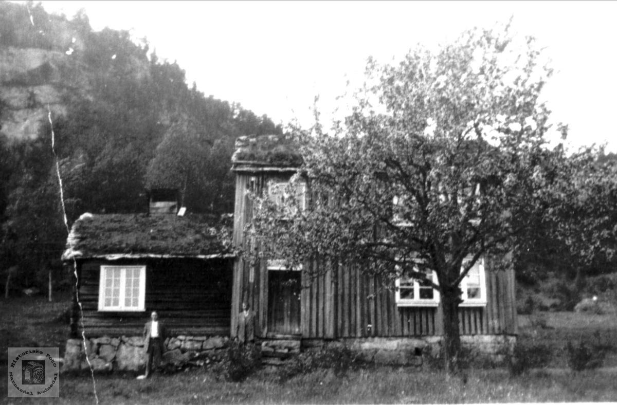 """Gården """"Der veste"""", Homme i Bjelland."""
