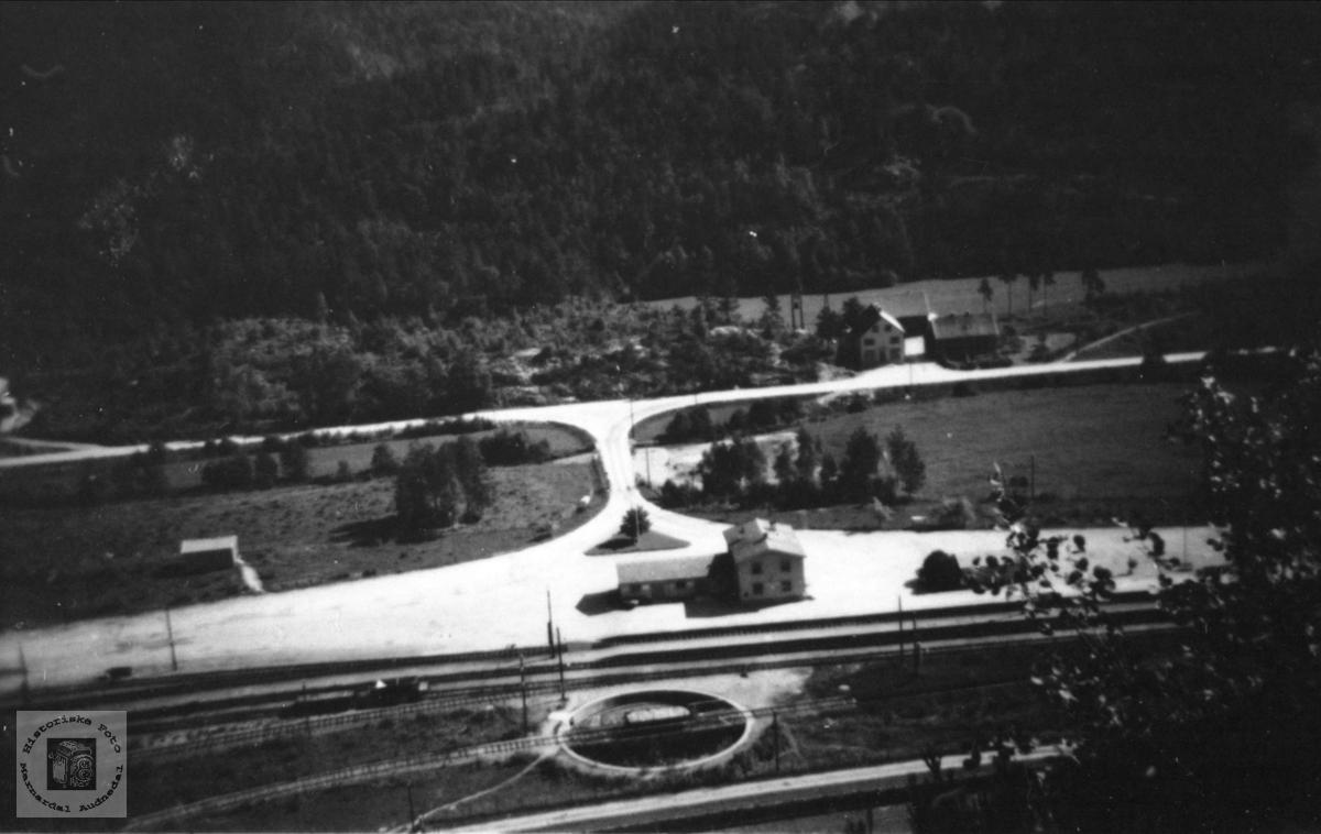 Marnardal stasjon med lokomotivvender, Øyslebø.