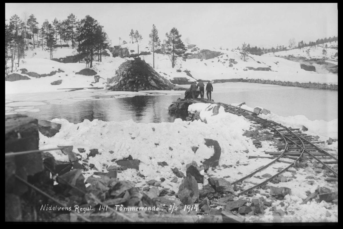Arendal Fossekompani i begynnelsen av 1900-tallet CD merket 0474, Bilde: 16 Sted: Flaten Beskrivelse: Tømmerrenne
