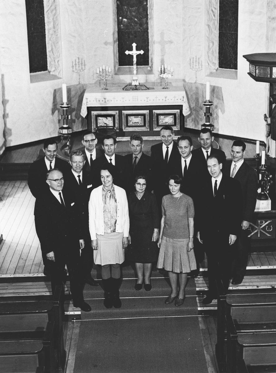 Kolbotn menighetsråd 1965 - 69 fotografert i kirken