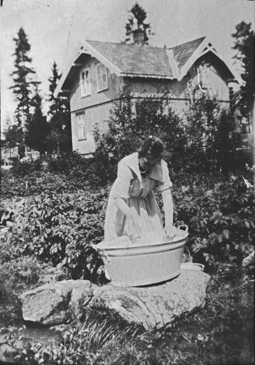 Klesvask i Håkonsvei.