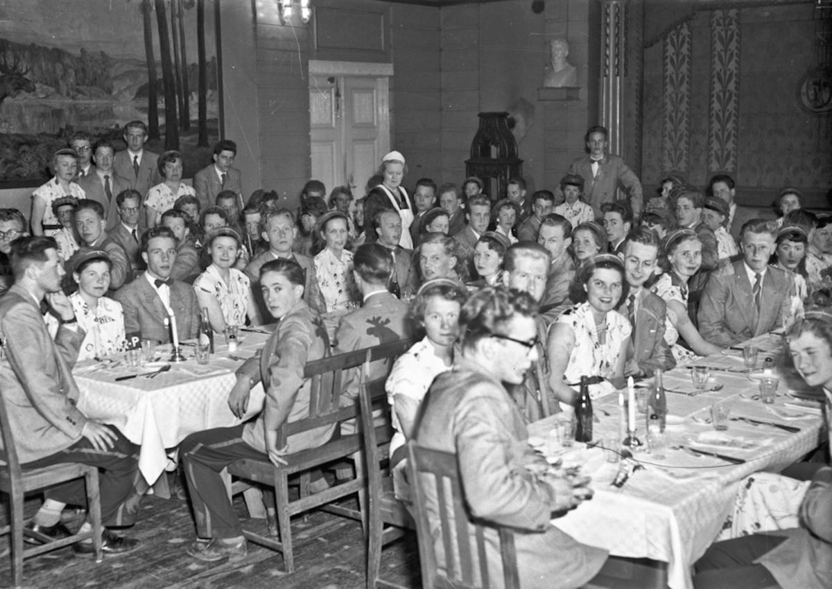 Middag for russen på Eidsvoll Landsgymnas