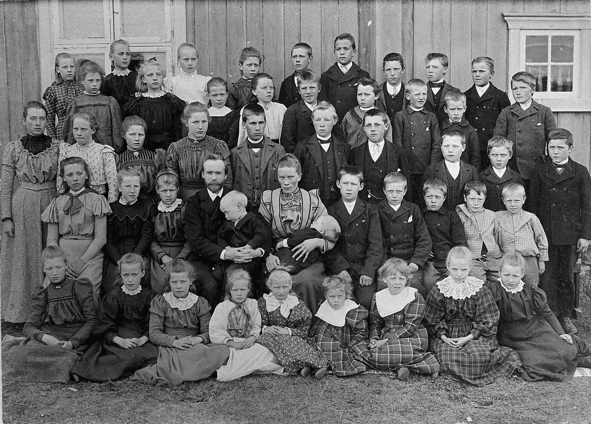 Skolebilde fra Dokken skole i Eidsvoll.