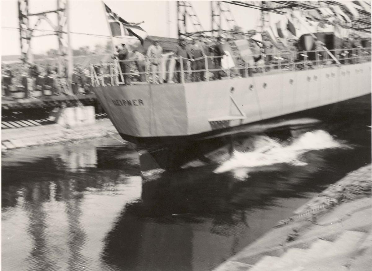 """Jageren """"Sleipner"""", sjøsetting i 1936."""