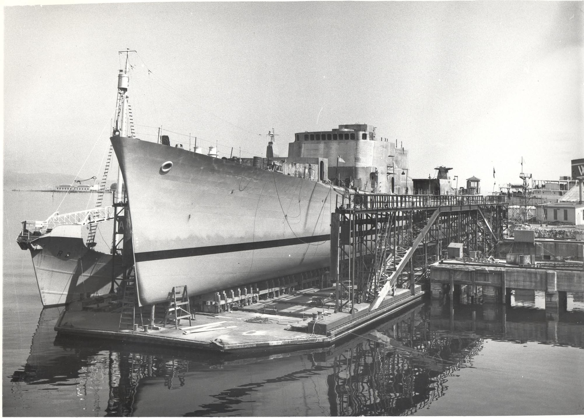 Enkeltbilde. Fregatten KNM Oslo, under byggingen.