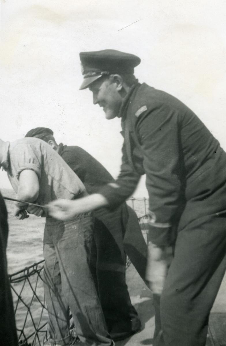 Album Ubåtjager King Haakon VII 1942-1946 Hegna fisker.