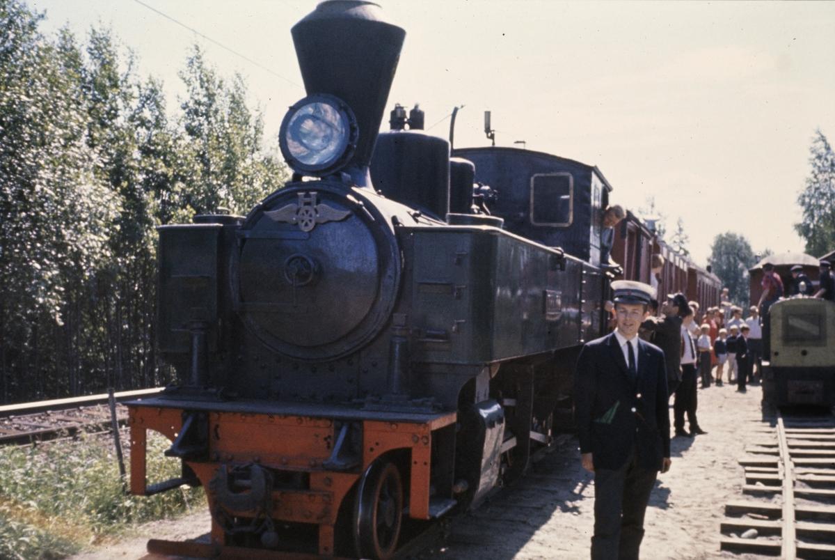 Lok 6 på Bingsfoss stasjon.